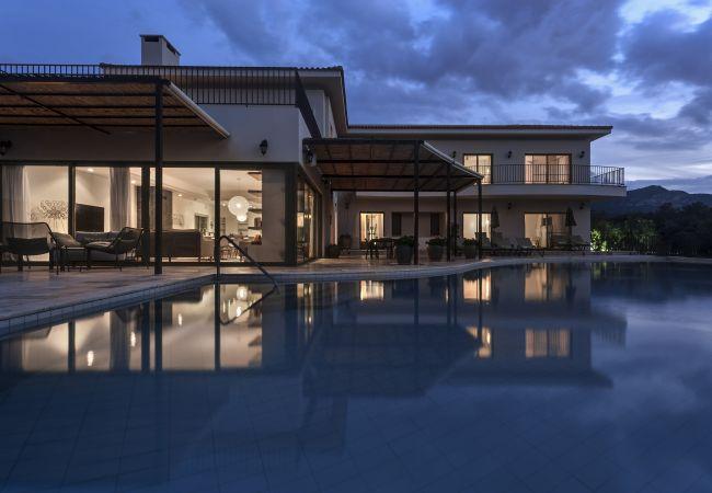Villa in Esentepe - Villa Adam Luxury Beach Front Villa